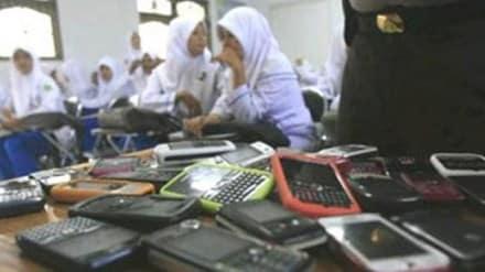 Larangan Hand Phone di Sekolah