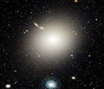M87 tipe E0