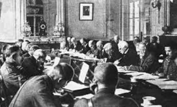 Perjanjian Versailles : Pengertian, Sejarah, Latar Belakang, Isi Dan Dampak