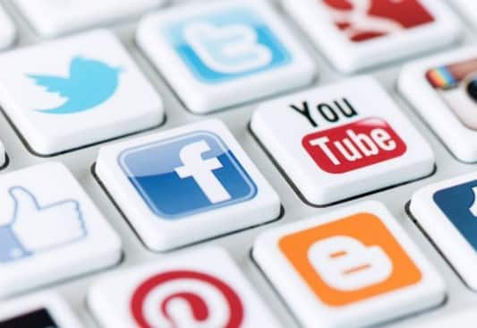 Bentuk Komunikasi Daring