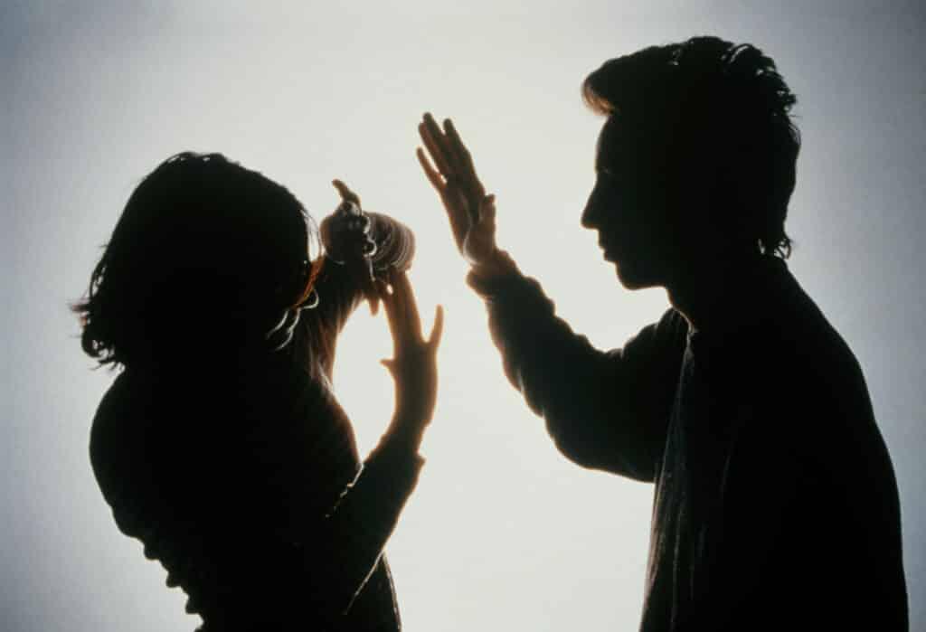 Contoh-Penyimpangan-Sosial-dalam-Keluarga