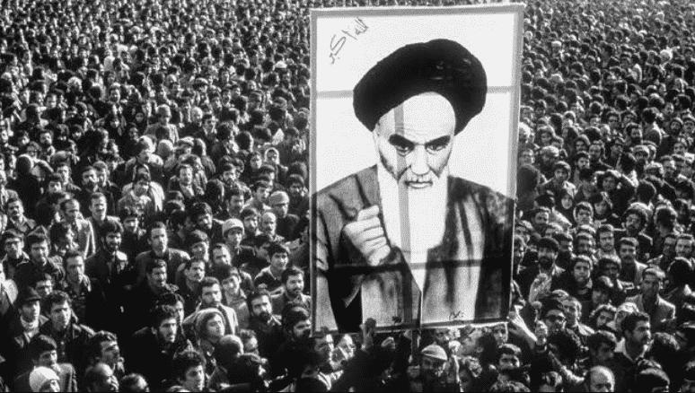 Latar-Belakang-Revolusi-Iran