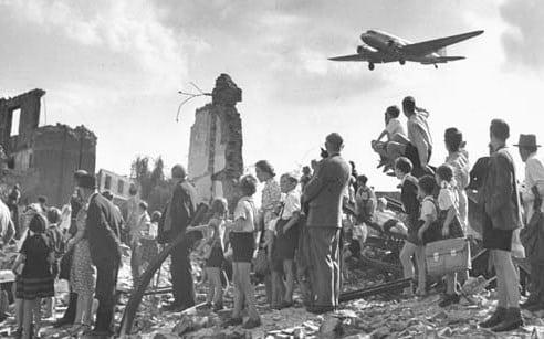 Perang Dingin - Pengertian, Latar Belakang, Penyebab Dan Dampak