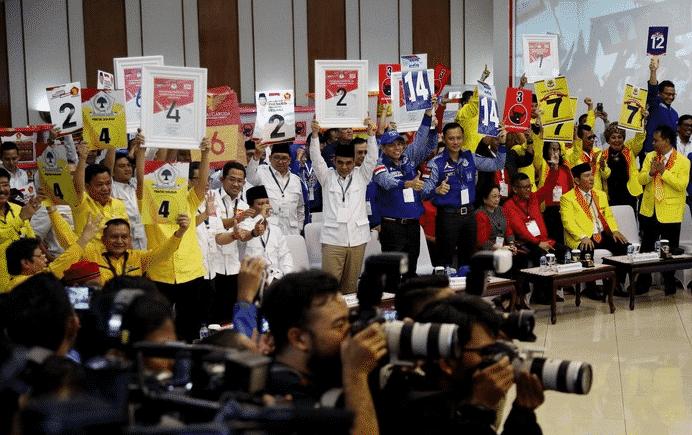 Perkembangan-Politik-di-Indonesia