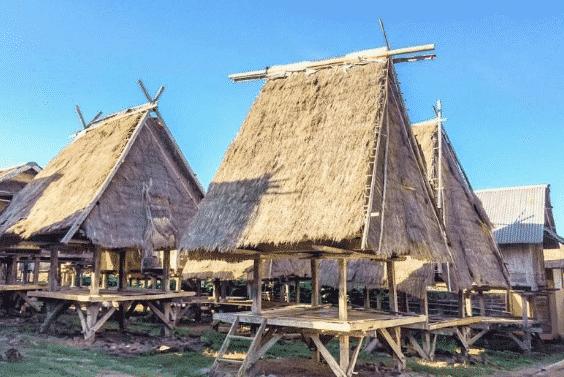 Rumah-Adat-Bale-Jajar
