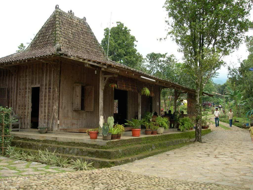 Rumah-Adat-Kampung